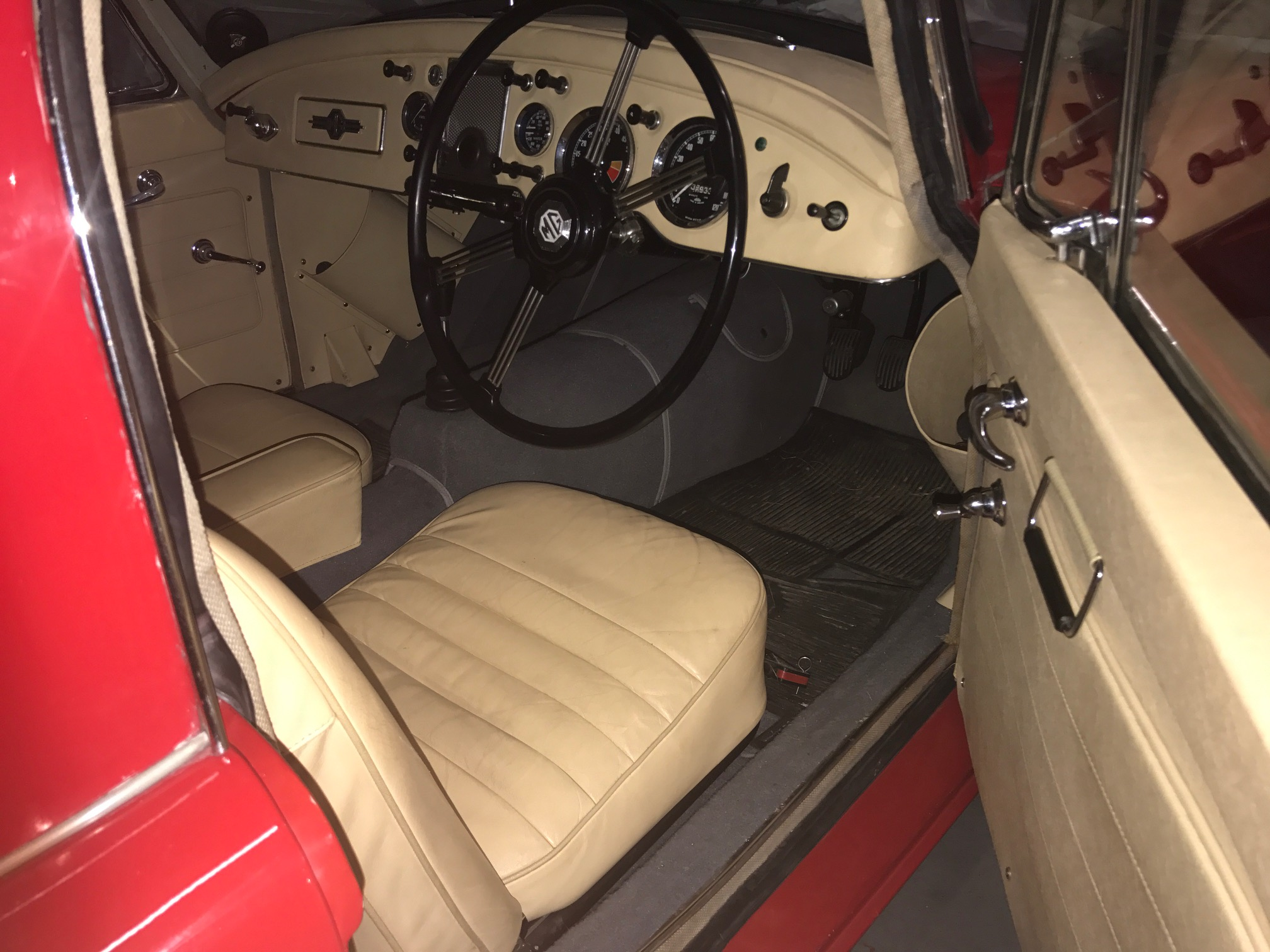 mga coupe interior trim options mga register. Black Bedroom Furniture Sets. Home Design Ideas