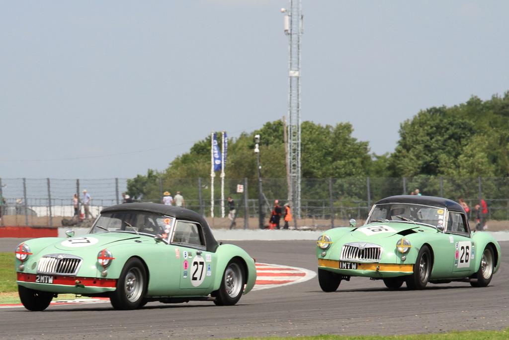 Silverstone_Classic_MGCC
