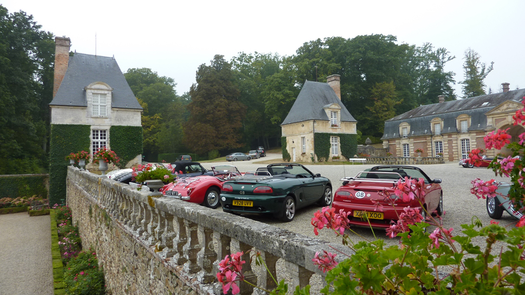 Mg Motoring In France Mg Car Club