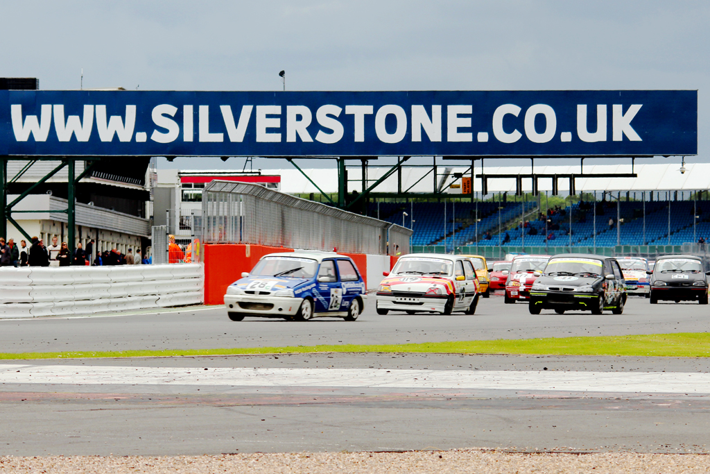 MGCC Silverstone National Race Meeting - MG Car Club