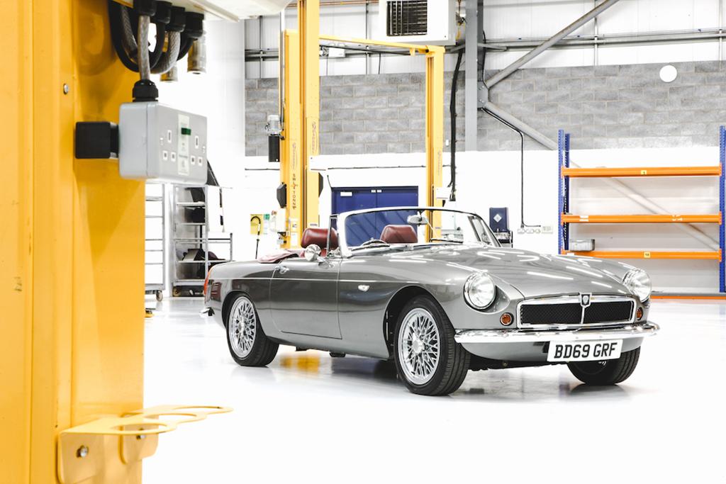 RBW onthult pre-productie elektrische klassieke Roadster