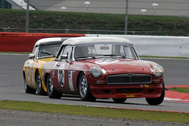 Racing with the MG Car Club - Rob Huff